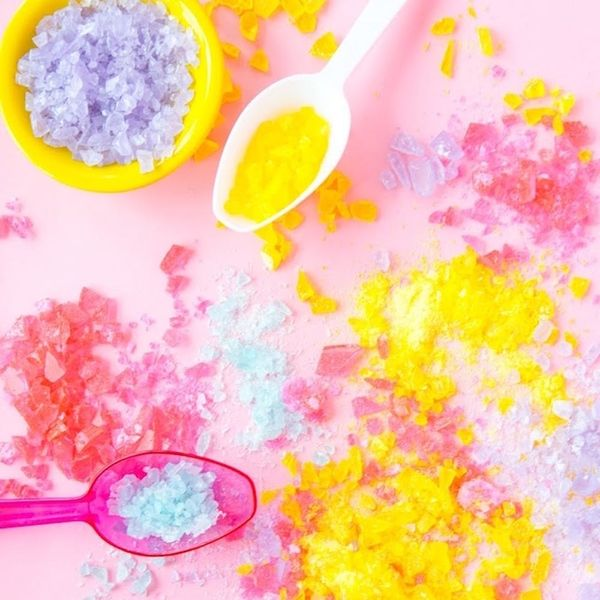 What to Make This Weekend: Candy Pop Rocks, Retro Beach Umbrella + More