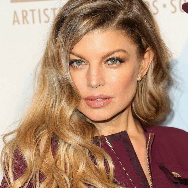 Watch Fergie Give Herself a Super Chic Summer Haircut