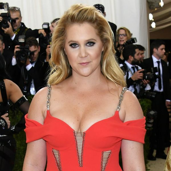 This Is What Craft Night With Amy Schumer Looks Like