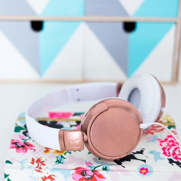 DIY These ModCloth-Inspired Headphones in Minutes