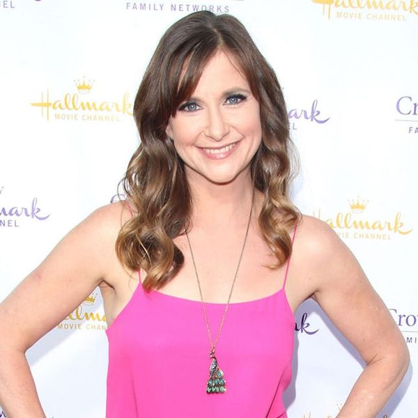 Morning Buzz! Kellie Martin Introduces New Daughter in the Most ADORABLE Pic + More
