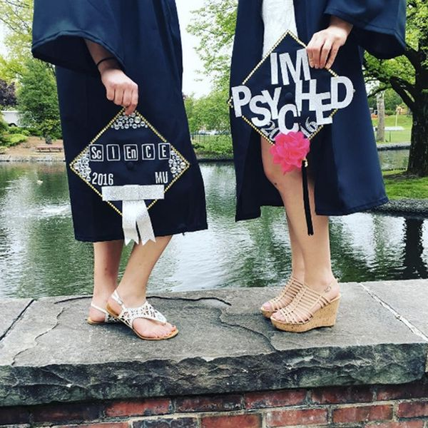 11 DIY BFF Graduation Cap Ideas to Wear at Your Ceremony