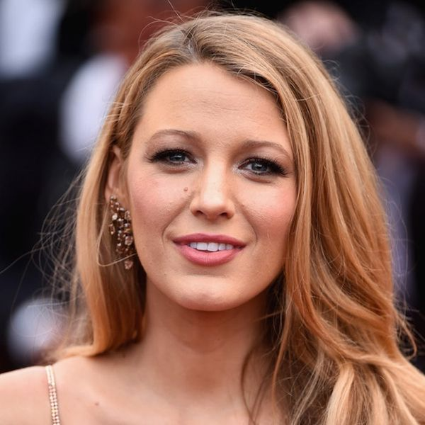 Morning Buzz! Did Blake Lively FINALLY Show Off Her Baby Bump? + 5 More Things You Need to Know