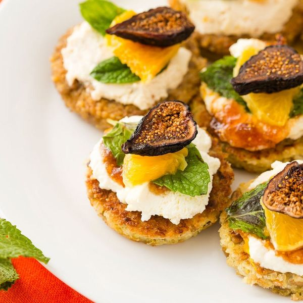 How to Make Healthy Quinoa Cakes With Ricotta Fig Bruschetta