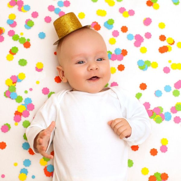 9 Perfect Moments to Share Your Baby's Name