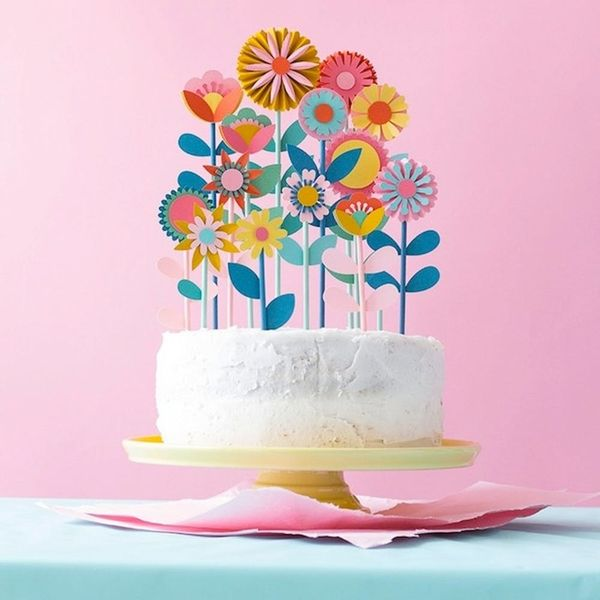 What to Make (for Mama) This Weekend: Flower Cake Toppers, Marbled Leather Bag + More