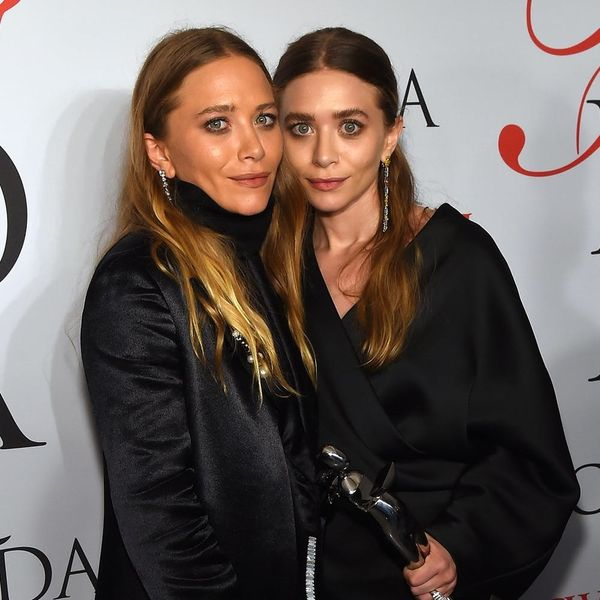 This Art Exhibit of the Olsen Twins Hiding from the Paparazzi Lives Up to Its Very Real Hype