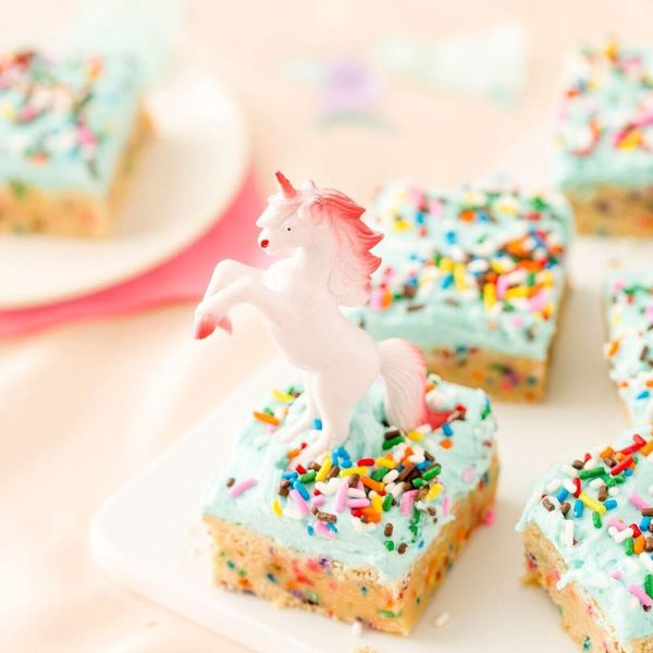 How to Make Magical Funfetti Sugar Cookie Bars