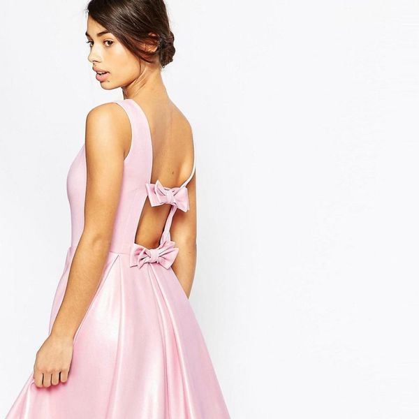 16 Prom Dresses That Are All About the Party in the Back