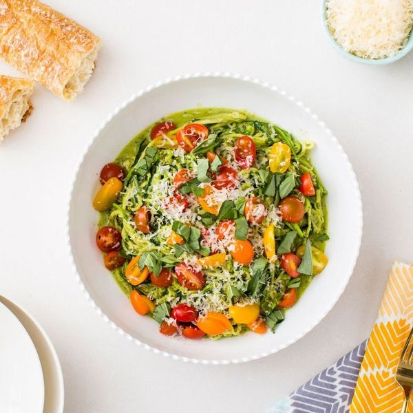 """How to Make Healthy """"Zoodles"""" With Almond Pesto"""