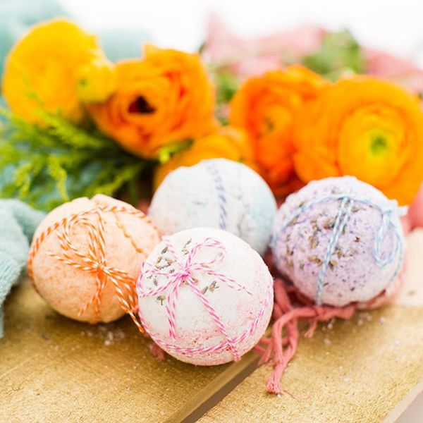 DIY Bath Bombs for Mom – 'Cause She's Da Bomb