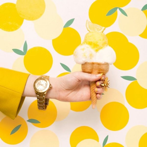 17 Gorgeous Spring Wallpapers That Aren't Floral
