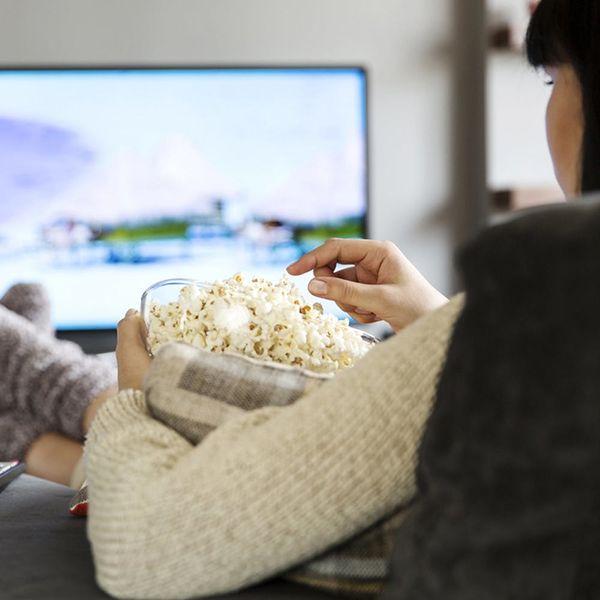 This Study Proves Netflix Isn't the True Binge-Watching Qween