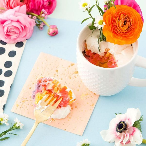 Make This Tie-Dye Cake in a Mug for Mother's Day