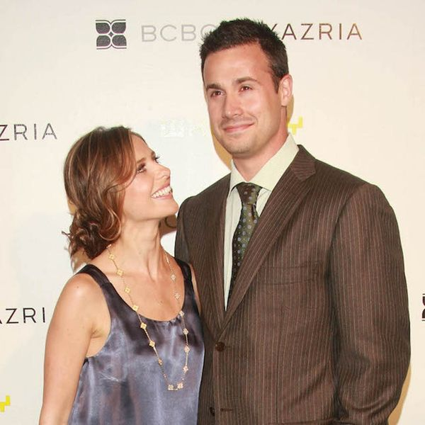 Freddie Prinze, Jr. and Sarah Michelle Gellar's Just-Posted Wedding Pic Will Give You Life