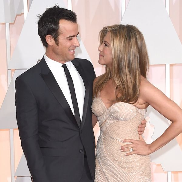 Jennifer Aniston + Justin Theroux Are the Latest Celebs to Get Married like This