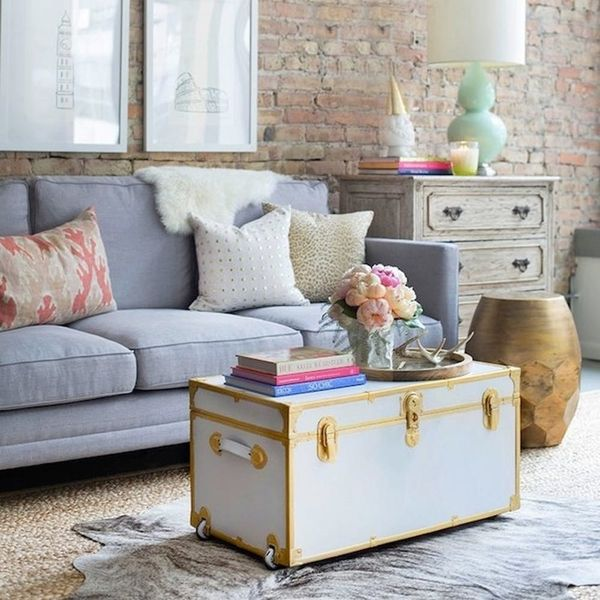 15 Beautiful Ways to Decorate With Trunks
