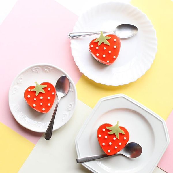 These No-Bake Strawberry Cheesecakes Are the Cutest Things You'll Ever Eat
