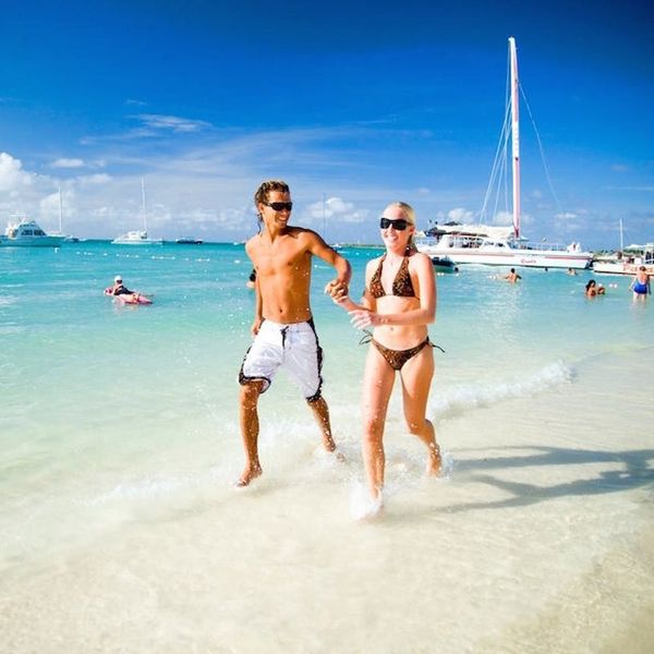 4 Expert Tips for Planning Your Dream Honeymoon on a Budget