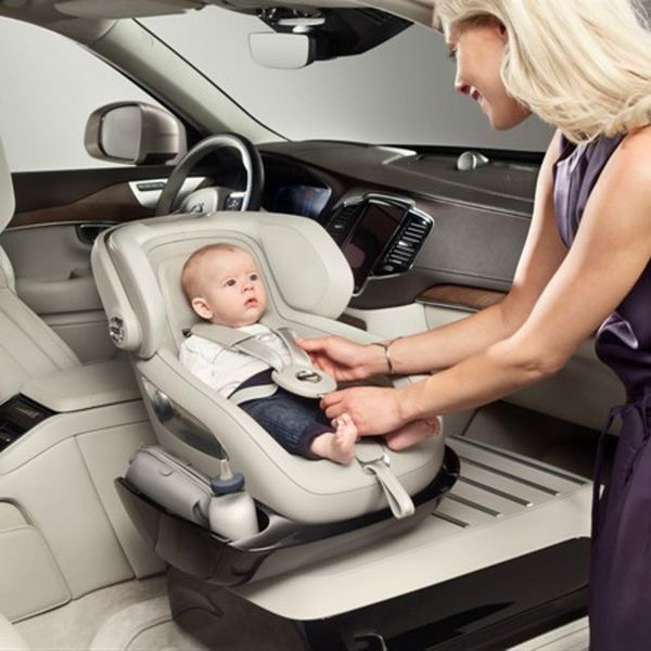 Parents: This Car Co Is Solving All Your Car Seat Struggles