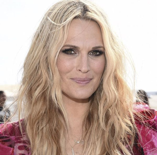 Why Molly Sims and Other Moms Are Posting This on Instagram