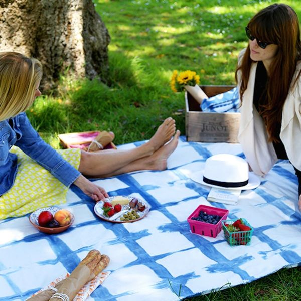 15 Ways to Throw the Best Decorated Picnic EVER