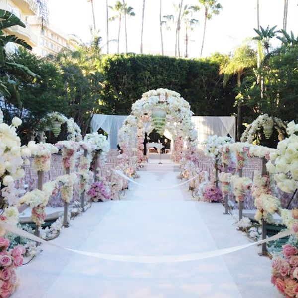 Jessica Simpson's Wedding Florist Shares Decor + Budget Tips for Your Big Day