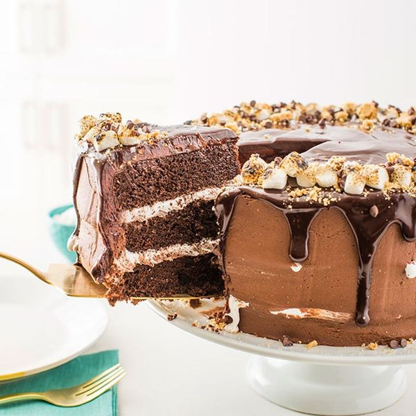 How to Make a Salted Nutella S'mores Cake Guests Will Go Crazy Over