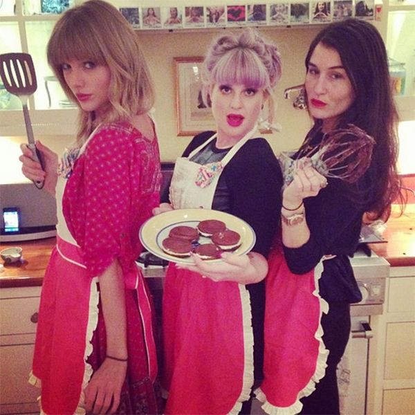 This Is Taylor Swift's Favorite Cookie Recipe Revealed