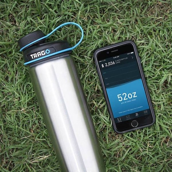 This Smart Water Bottle Will Tell You If You're Not Drinking Enough