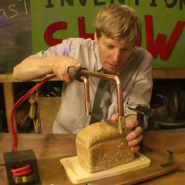 WTF: This Crazy Kitchen Knife Does Something You've Never Seen Before