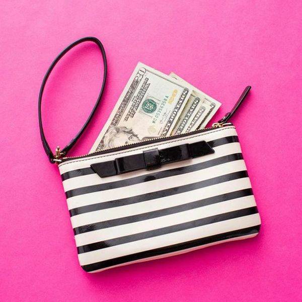 This App Tricks You Into Saving Money