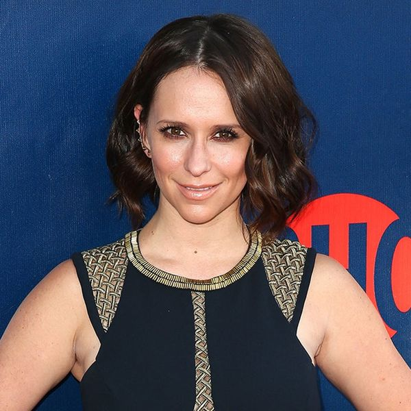 This Is Why Jennifer Love Hewitt Is Showing Off Her Baby Bump