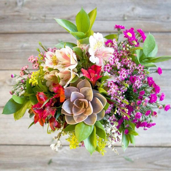 7 Super-Easy Ways to Get Mom Flowers on Mother's Day