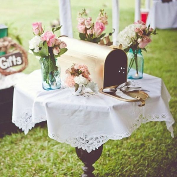 13 Creative Ways to Collect Cards at Your Wedding