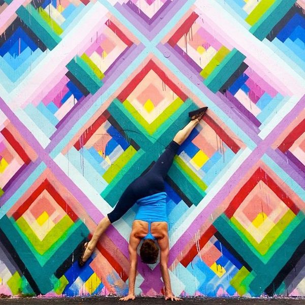 Yoga Street Art Is a Thing and It's Awesome