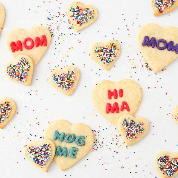 How to Make the Cutest Mother's Day Cookies EVER