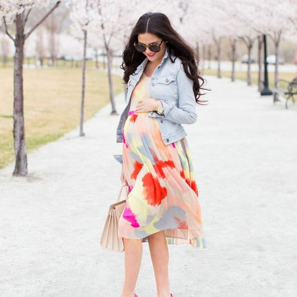 17 Chic Ways to Style Your Bump for the Office