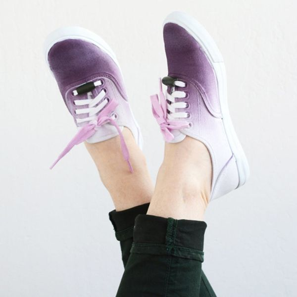 What to Make This Weekend: A Vertical Desk Organizer, Ombré Sneakers + More