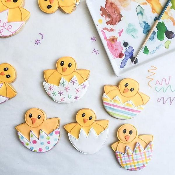 How to Become an Expert Emoji Cookie Decorator