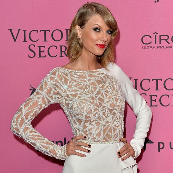 5 Things Your Commute Needs: You Can Stream Taylor Swift's Music Again + More!