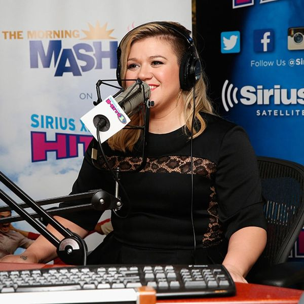 Kelly Clarkson's Singing Pregnancy Announcement Is the Best