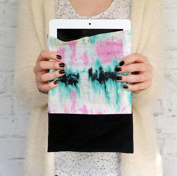 How to Make a No-Sew Tablet Case in 10 Minutes