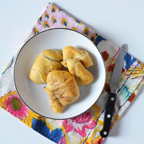 This Easy Apple Crescent Rolls Recipe Will Make Any Busy Morning Feel like a Holiday