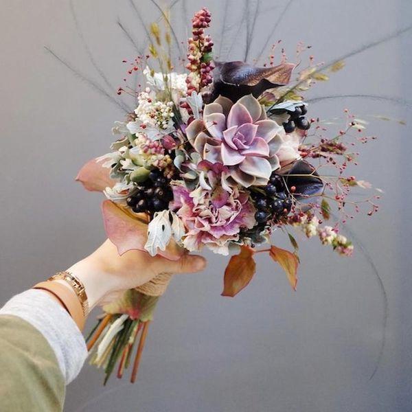 19 Inspiring Winter Flower Arrangements on Instagram