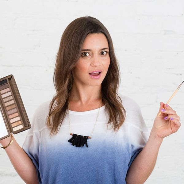 Beauty Mythbuster: Is Eyeshadow Really the Secret Product for Fuller Hair?!