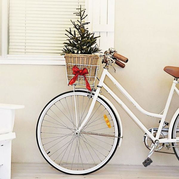 20 DIY Christmas Yard Decorations to Deck Out Your Outdoor Space