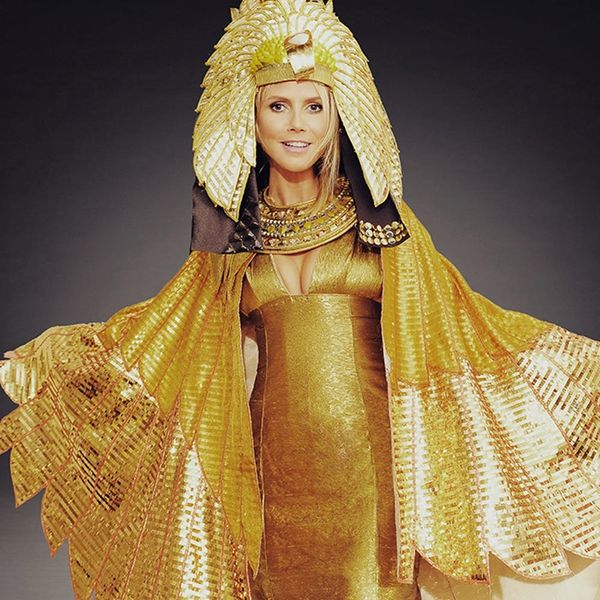 Heidi Klum Just Gave Us an AMAZING Teaser of Her Halloween Costume