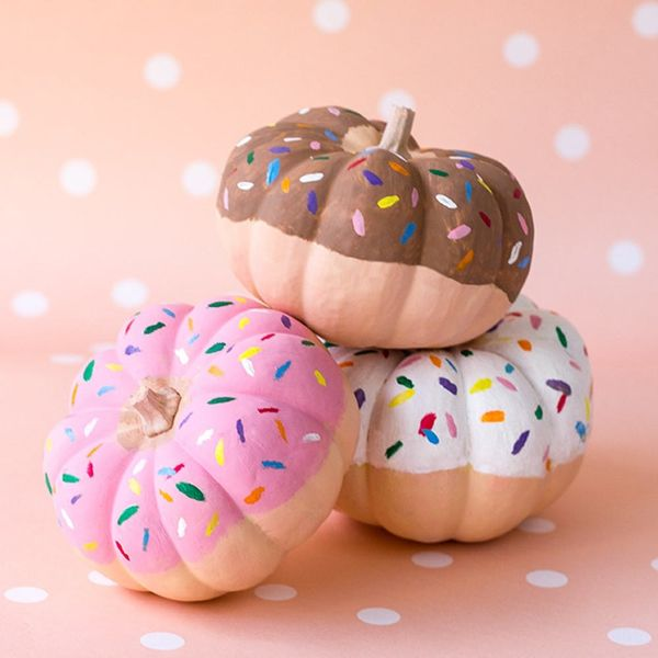 17 Ways to Decorate With Mini Pumpkins