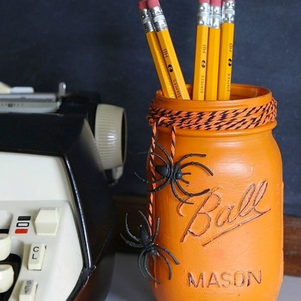17 Halloween Decor Ideas for a Spooky Office or Cubicle